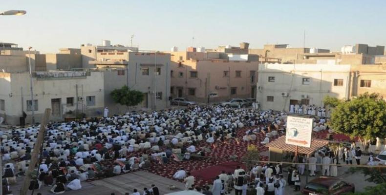 : عيد الفطر في ليبيا.. قبلة واحدة وفرح مشترك