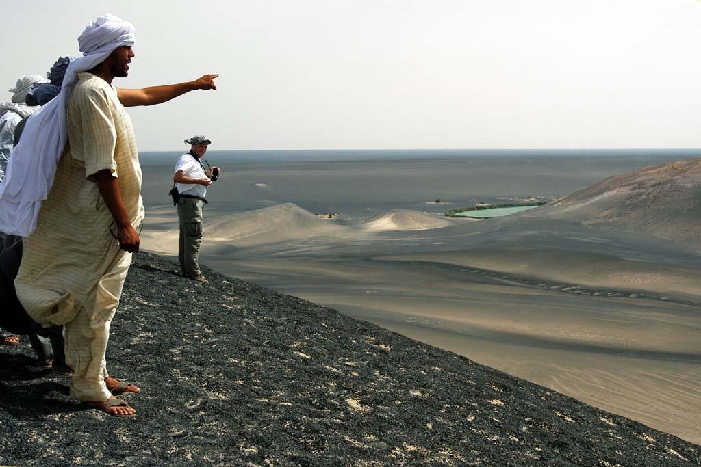 : واو الناموس.. ألوان تكسر رتابة الصحراء