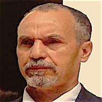 ليبيا المستقبل       ليبيا مثل نصف الزجاجة الفارغ... من داخلها او خارجها؟