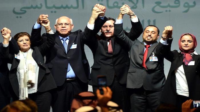 ليبيا المستقبل       فورين أفيرز:  الوفاق على شفا الإنهيار وتدخل ترامب في ليبيا ضروري